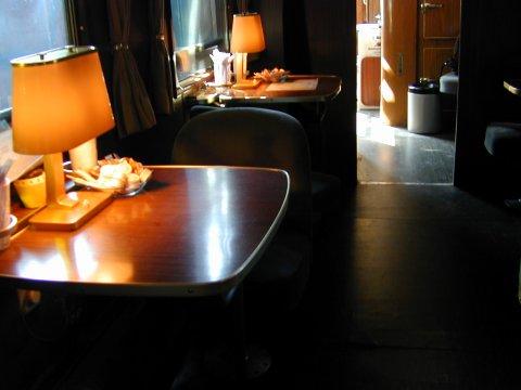 BRyl446 Innenansicht Tisch 2